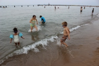 Kids at the North Avenue Beach