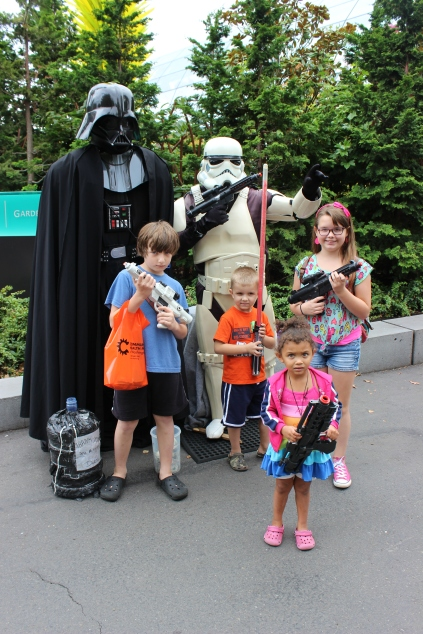 Kids with Star Wars characters