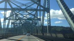 Crossing the Columbia River into Oregon